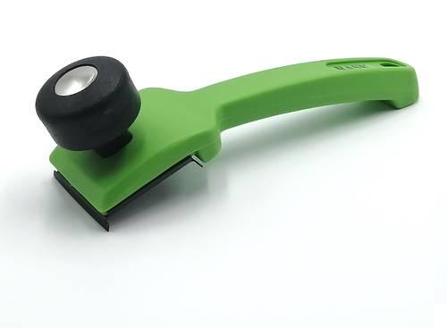 Polyethylene scraper with steel blade