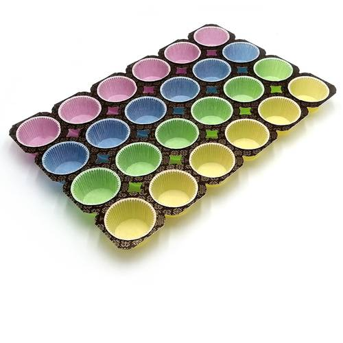 Coloured muffin paper tray