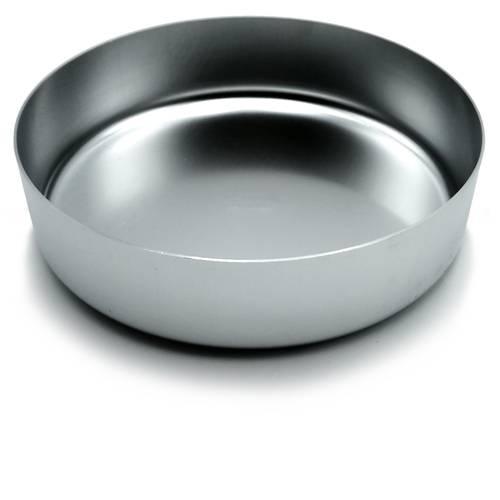 Cylindrical aluminum cake tin